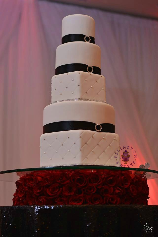 Smith Loyd wedding cake.jpg