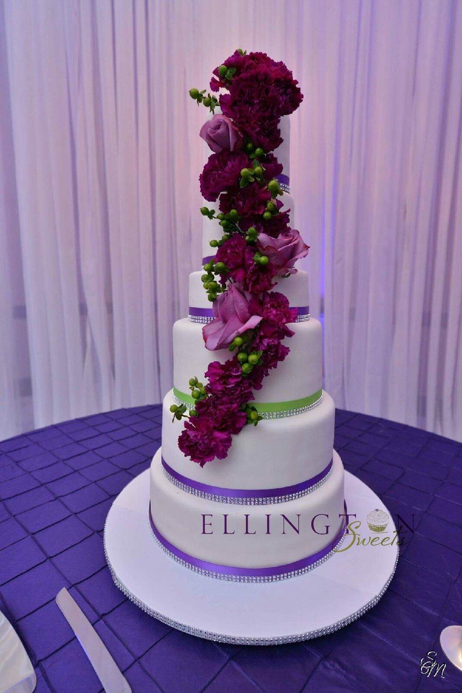 Walker - Boykin wedding cake.jpg