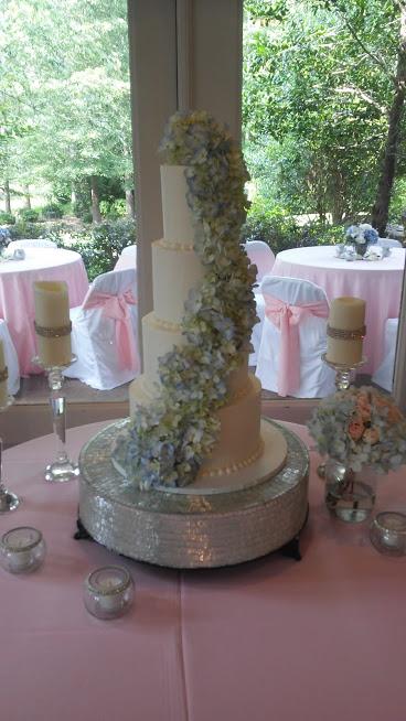 Peden wedding cake.jpg
