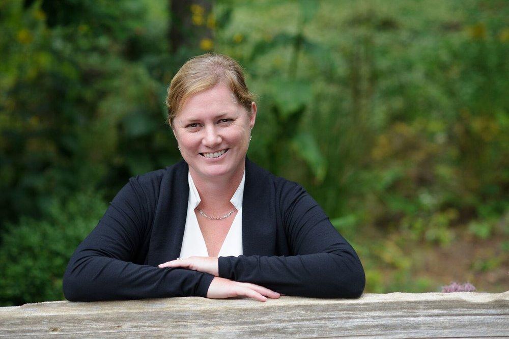 Bronwynne Wilton Headshot