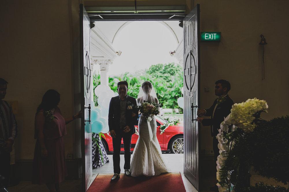 Singapore+Actual+Day+Wedding+Photographer+Raffles+Town+Club+Jeremiah+Christina-0051.jpg