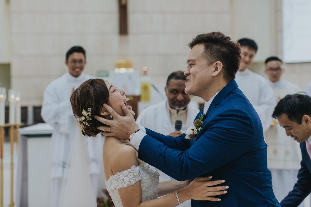 Singapore+Actual+Day+Wedding+Photographer+Grand+Mercure+Oliver+Estelle-0056.jpg