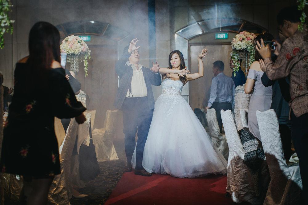 Singapore+Actual+Day+Wedding+Photographer+Grand+Mercure+Oliver+Estelle-0098.jpg