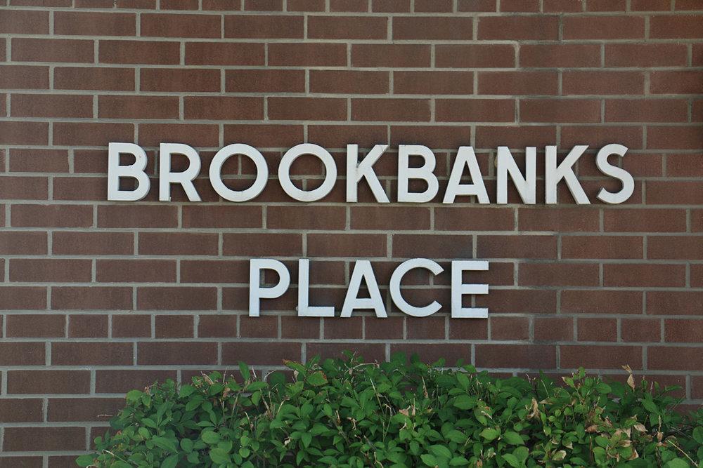 3R06 - 235 Brookbanks Drive - Photo3 Wall Letters.jpg
