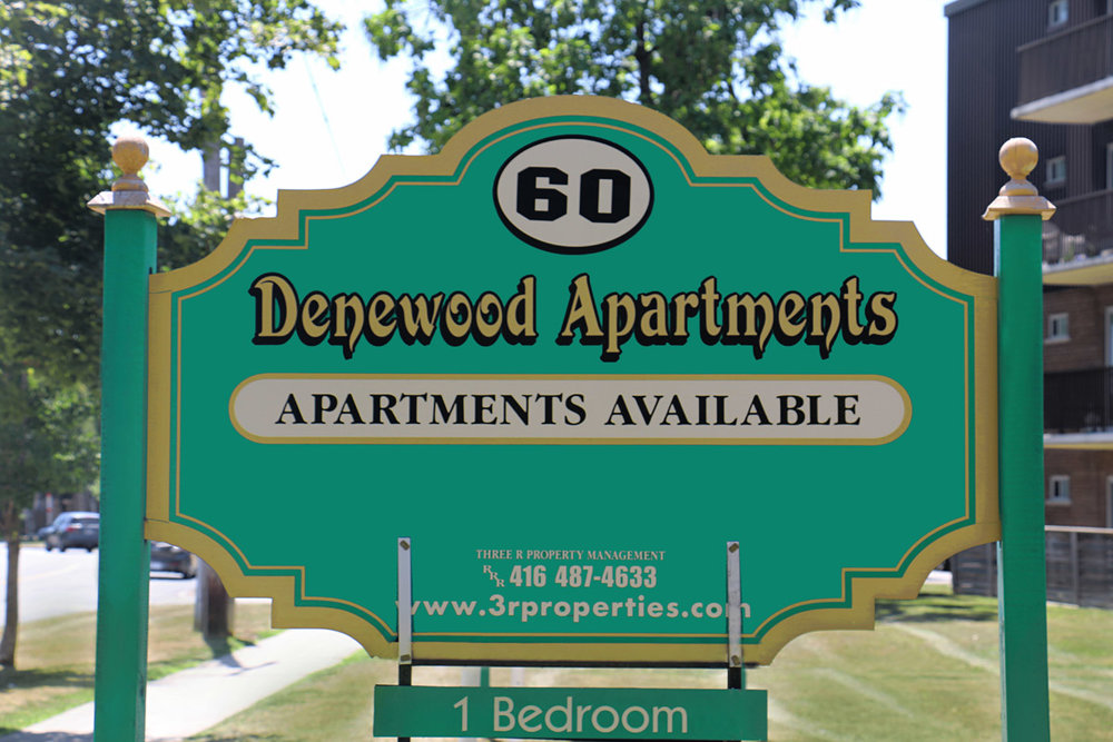 3R09 - 60 Underhill Drive - Photo2 Sign Updated.jpg