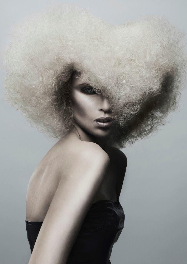 Tina Turner - AVD. VIKASENIOR STYLISTbla bla bla blabla bla bla bla