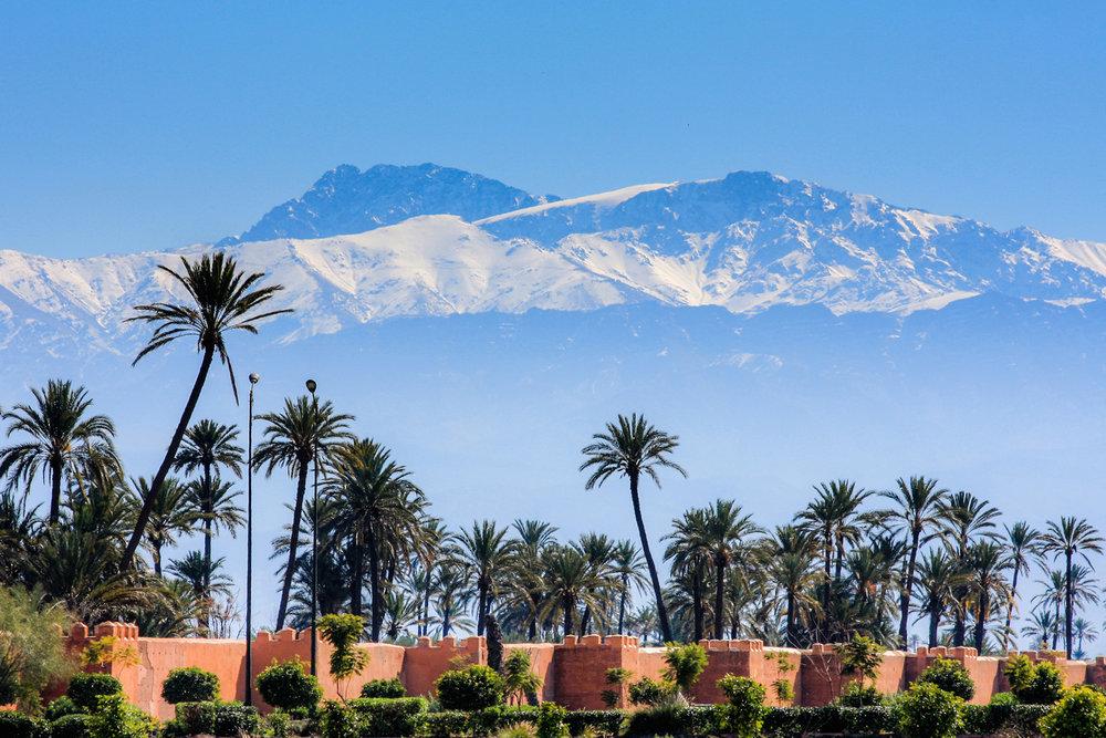 Marrakech - Marrakech, la perle du sud est célèbre dans le monde entier pour son palmeraie et son minaret, cette ville est continuellement animés par ses habitants et ses cadre médiéval. Marrakech bénéficie d'un patrimoine culturel impressionnant avec de nombreux monuments et musées de qualité.ITINERAIRES RECOMMANDESEN SAVOIR PLUS