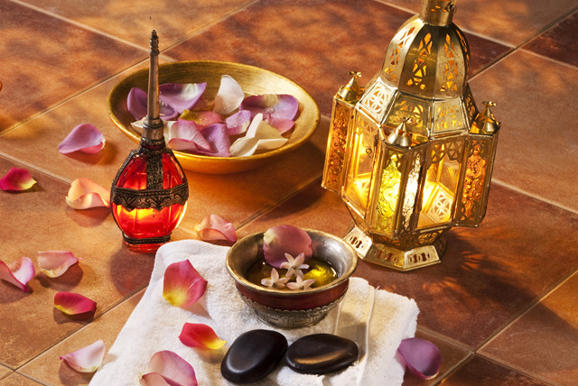 Morocco's natural resources - The country's traditional local products are of incomparable quality and include aromatics like saffron –aka red gold, olive oil, honey, orange blossom water and argan oil with its unique, exquisite flavor. Hamman rituals make use of henna, rose water, black soap and rhassoul clay. Let yourself be tempted by their natural benefits.