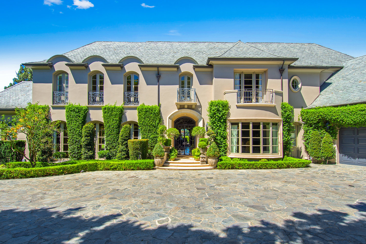 1211 Stradella Road | Bel-Air