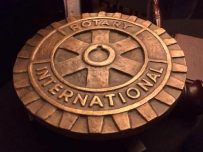 rotary logo foto.jpg