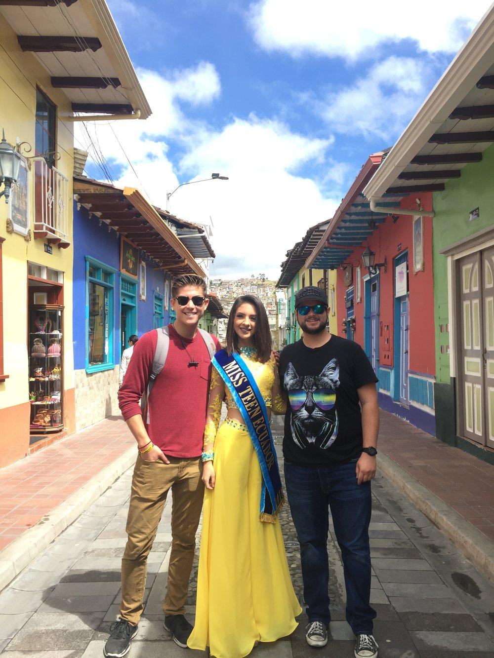 Teen Ecuador.JPG