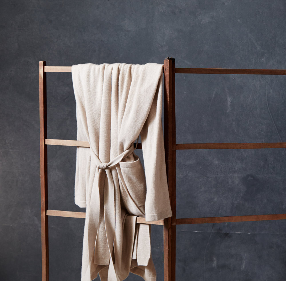 Sofia_Cashmere_Throws_Robes_ND_More_HOME_1082604390_EDITORIAL_129.jpg
