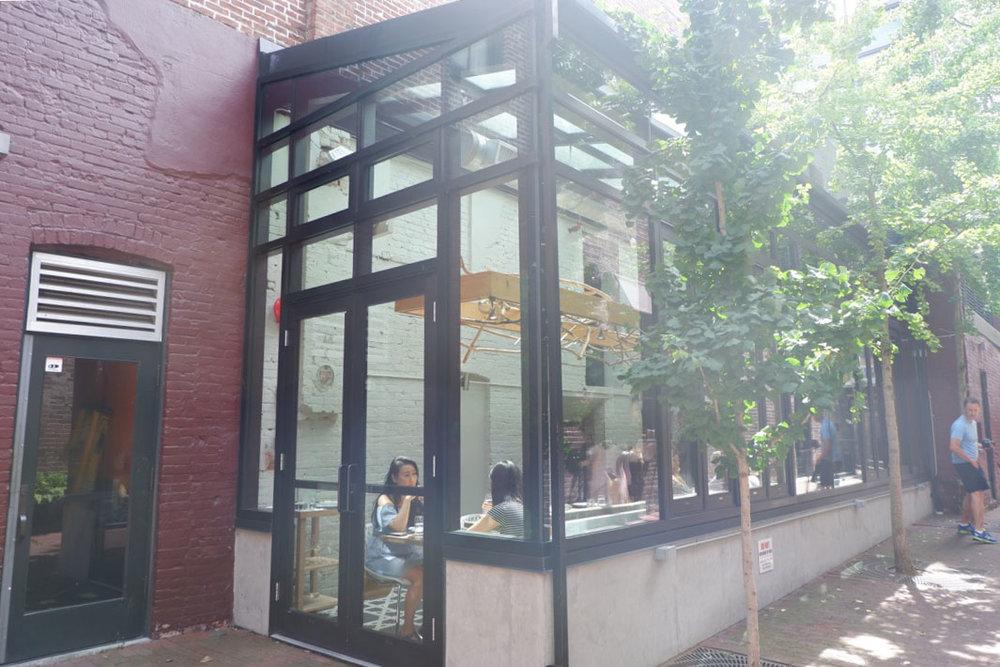 restaurants-in-vancouver-l'abattoir-gastown.jpg
