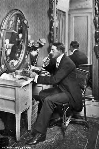 1902-make-up
