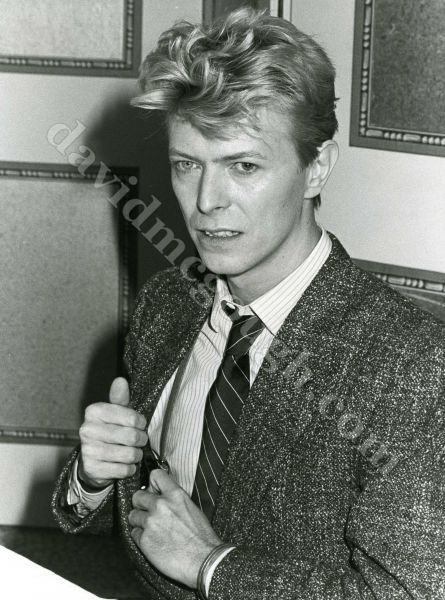 David-Bowie-1982-NYC-cliff.jpg