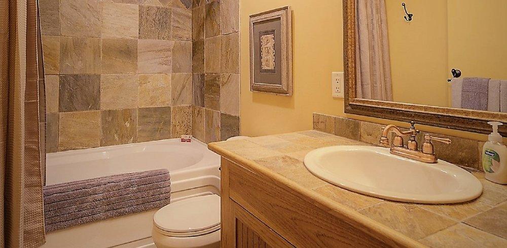 Bathroom a a.jpg