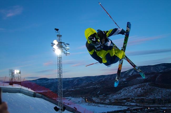 halfpipe-skiing.jpg
