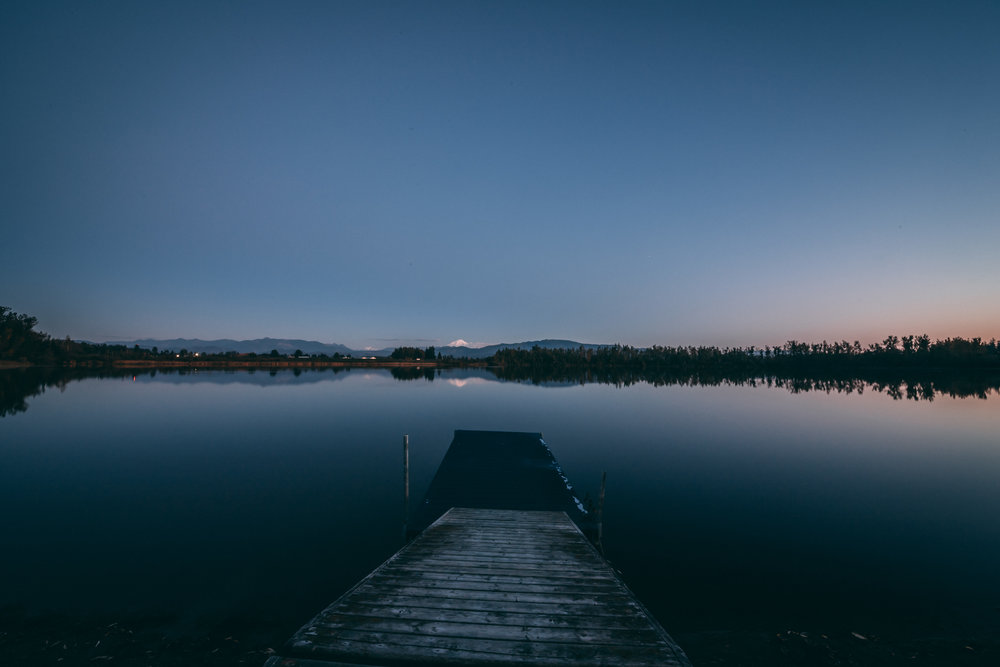 5 - EXTERIOR TWILIGHT - Laxton Lake-7.jpg