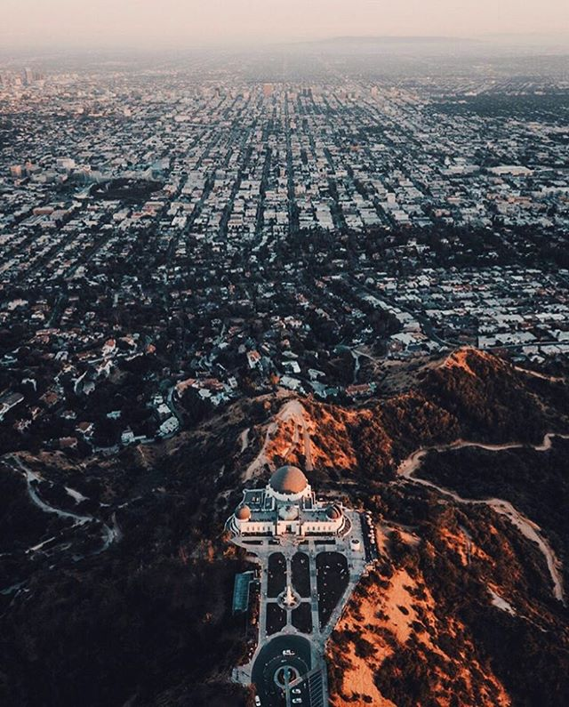 Lucky to call this amazing city our home. ✨ #LosAngeles #LALife 📸: @BeautifulDestinations . . . . #travel #travelblogger #LosAngeles #art #beautifuldestinations #adventure #vacation #LA #lifestyle #photography #city #cityviews
