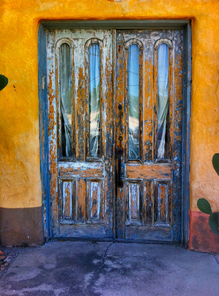 Barrio Door