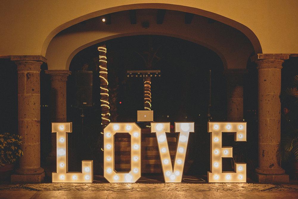 sonja wedding pic 1200pxl size11.jpg
