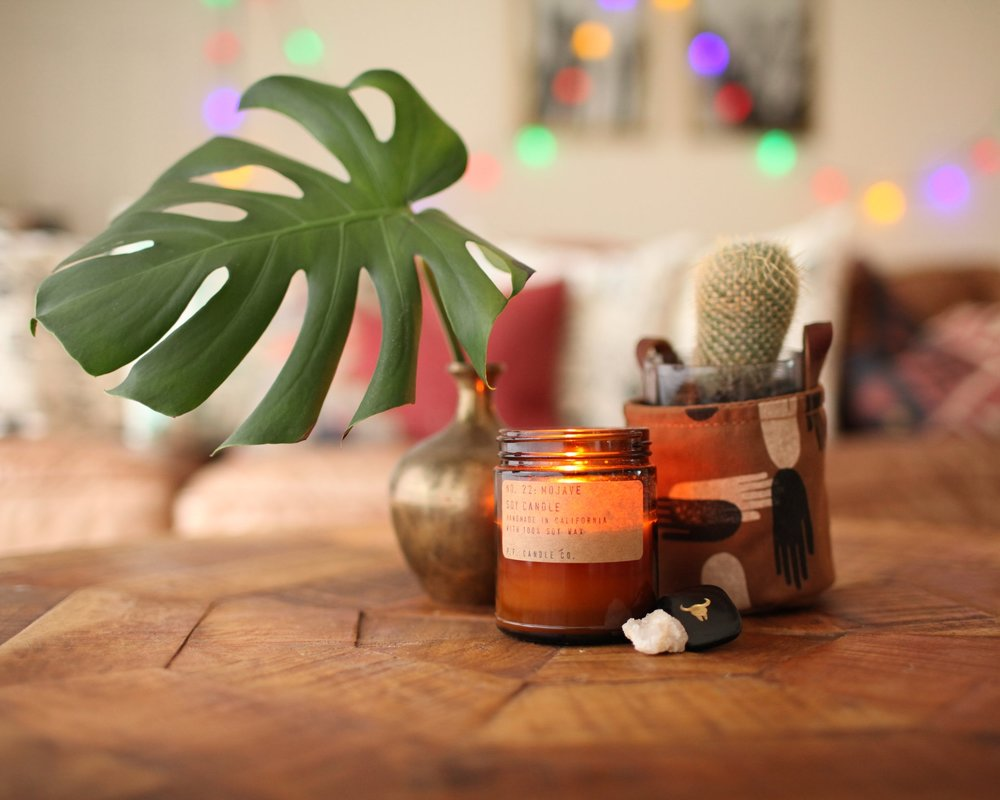 handmade home - All of our candles are handmade with only the best ingredients, making your home smell and feel so good. Plus, wrap your plant bbs in a cute holder.