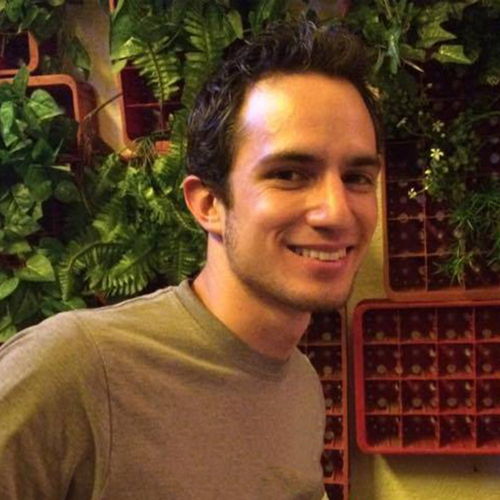 Javier Olavarrieta | Tutor   Marketing and Master's in Education