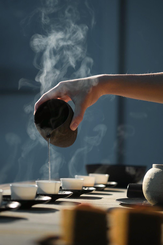 tea pouring.jpg