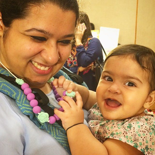 📿 Our teething necklaces are perfect for baby-wearing moms like Sirisha! @sirishasetia . . Handmade from FDA-approved silicone beads, this accessory is a must-have for all new mums!. . . . #droolychews #teethingnecklace #breastfeedingmom #babywearingmama #babywearing #teethingbaby #teethinginstyle #teethingsimplified #teethingsucks #newmom #momlife #motherhoodunplugged #motherhoodsimplified #mumbaimoms #themommynetworkpopup #beisskette #chupetero #mordedor #massaggiagengive #collardelactancia #collanaallattamento #zahnen #dentizione #cadeaunaissance #kraamcadeau #momblogger #indianmomblogger #bloggermom #motherhoodrising #uniteinmotherhood