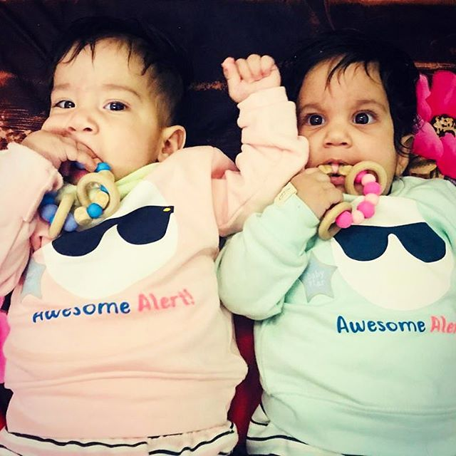 💕 Who says boys cannot rock pink?. . Thank you @moneykamit for this adorable picture of your twins Arnil and Aahnik 💕. . Have a lovely weekend everyone! . . . #droolychews #teething #teethingbaby #zahnen #dentizione #teethingsucks #teethinginstyle #teethingsimplified #teethingring #woodandsilicone #bijtring #beissring #mordedor #chupetero #massaggiagengive #momblogger #indianmom #indianmomblogger #breastfeedingmom #motherhoodsimplified #motherhoodunplugged #motherhoodrising #newmom #momlife #uniteinmotherhood #mompreneur #smallbusiness #kraamkado #cadeaunaissance #babygifts