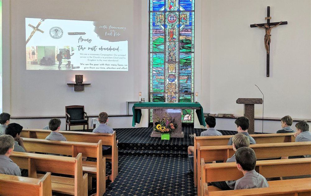Iona students reflect on Oblate Rule during Adoration