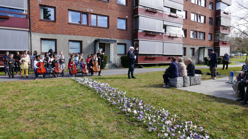 Byrådssekretær Frode Kyvåg stod for den offisielle åpningen 4 mai 2018. Haugerud strykeorkester bidro med musikalske innslag.