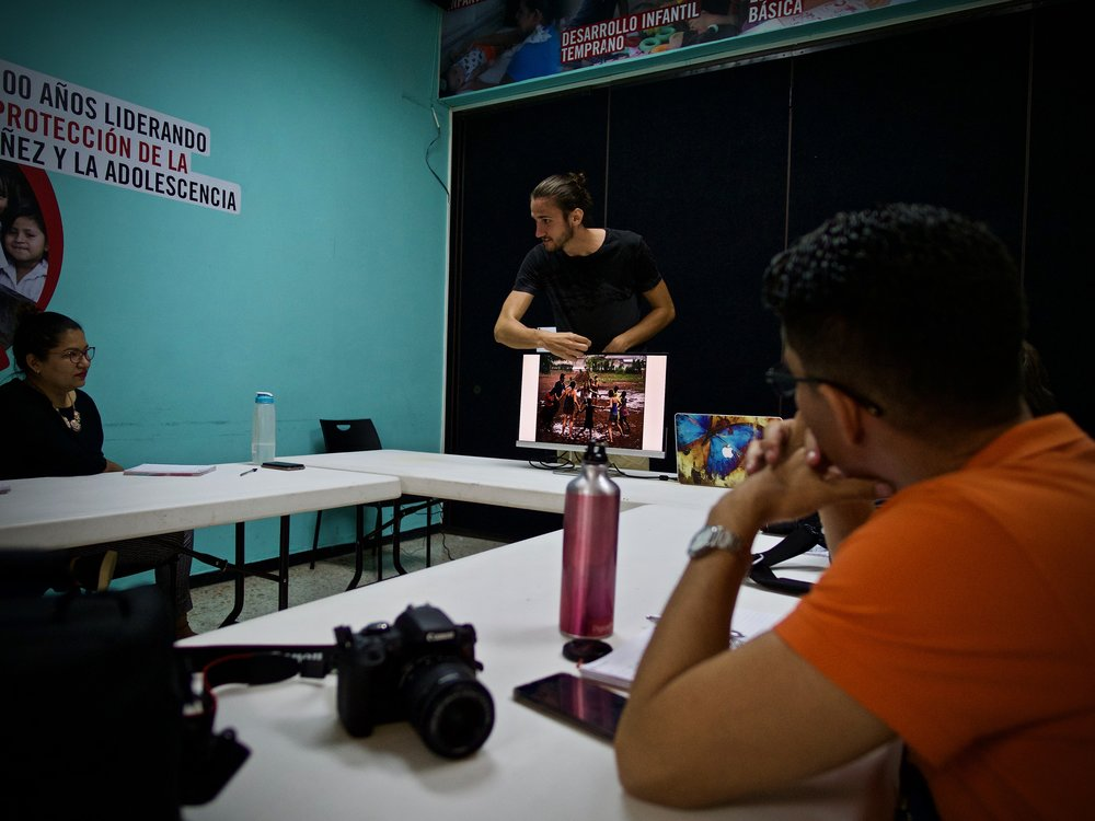 Photography Workshop, Save the Children Country Office, El Salvador | Photo by Monica Deleon