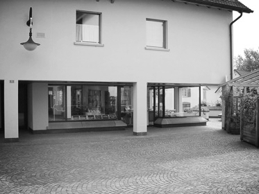 AtelierUrs Tischhhauser - Oberdorfgasse 18708 Männedorft: 044 920 20 12f: 044 920 25 44E-Mail senden
