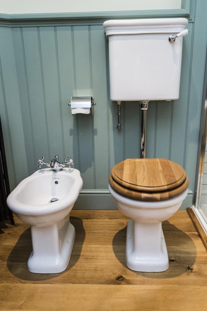 Dedham, Georgian Terrace. Ceramic Toilet. Emperor Bathrooms.