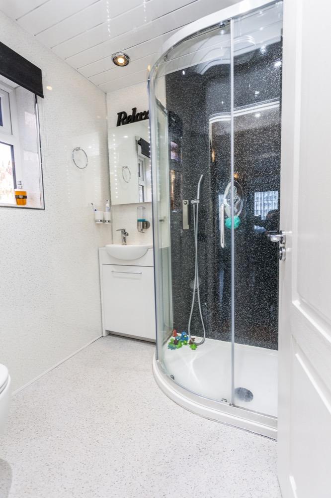 Spacious downstairs family bathroom. Emperor Bathrooms limited.