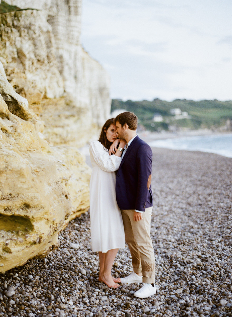 etretat-engagement-session-alain-m-4.jpg