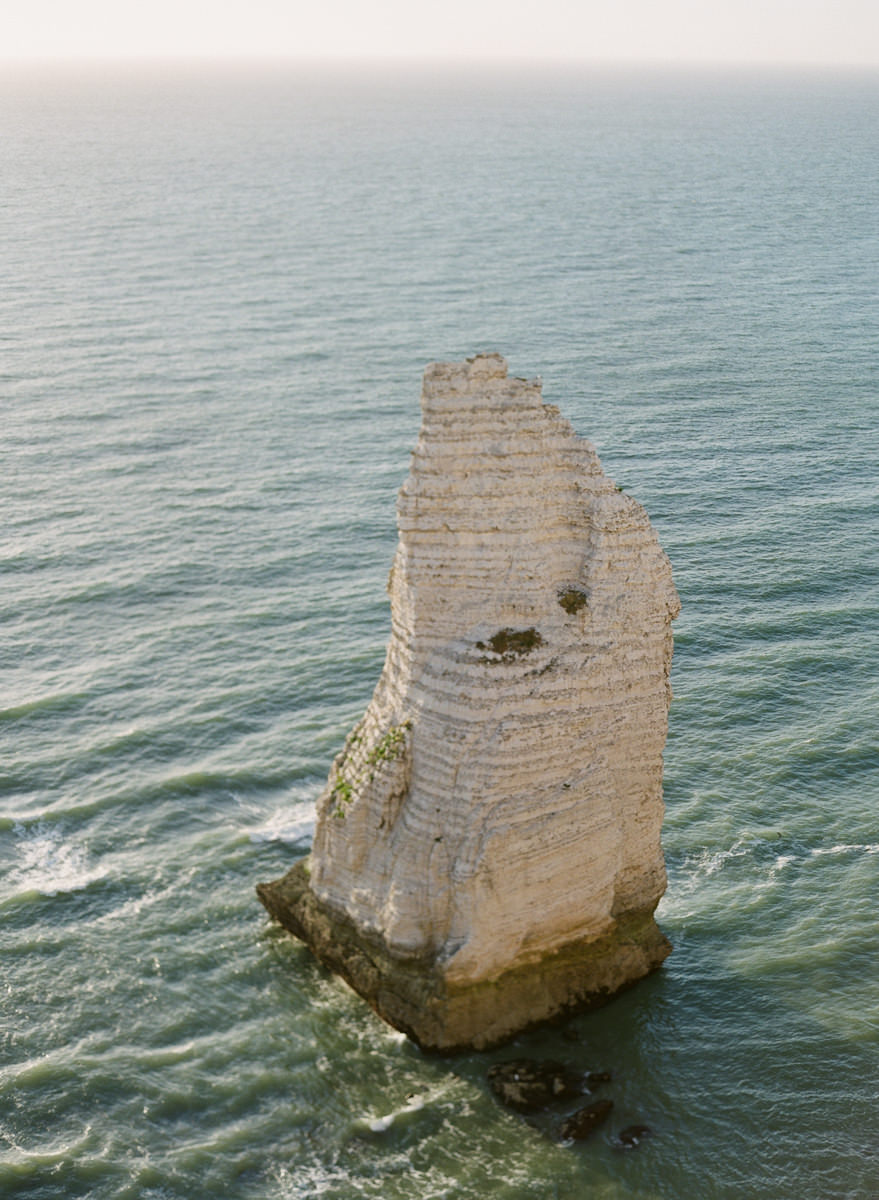 etretat-engagement-session-alain-m-13.jpg