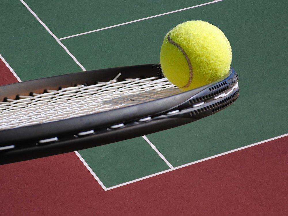 tennis-2819296_1280.jpg