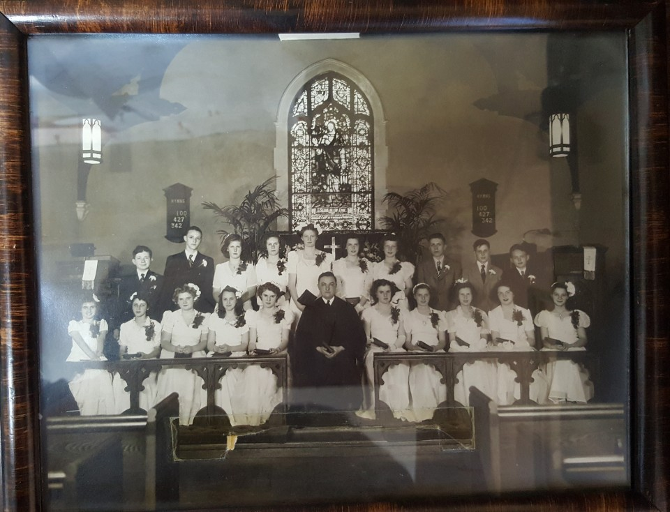 Confirmation class 1944.jpg