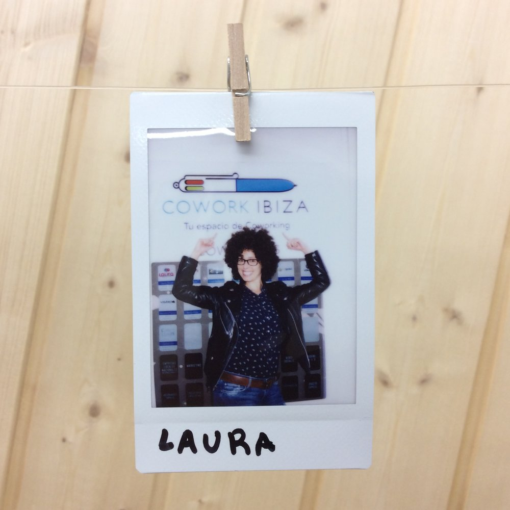 LAURA TORRES - Community Manager
