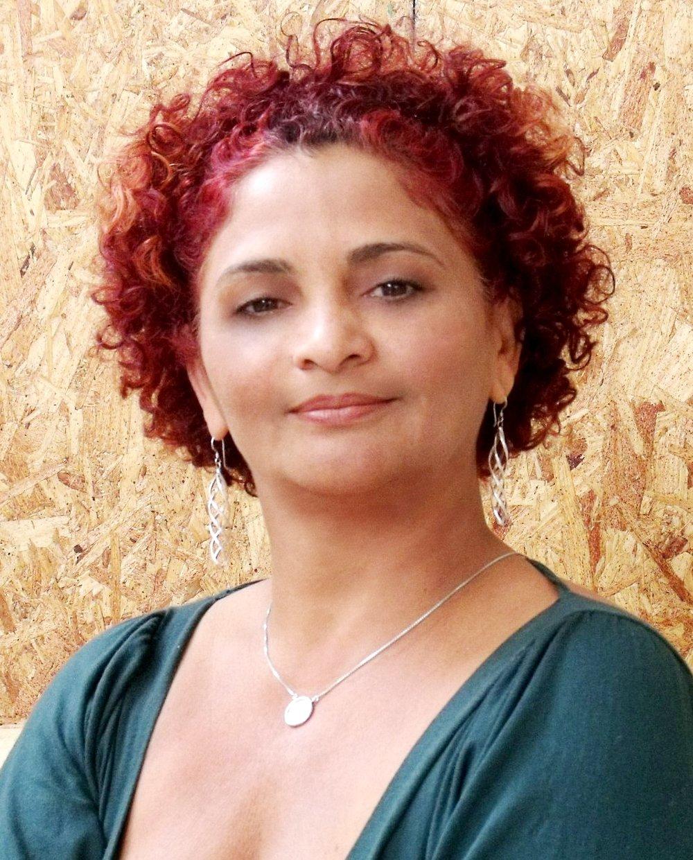 Luza Carvalho.jpg