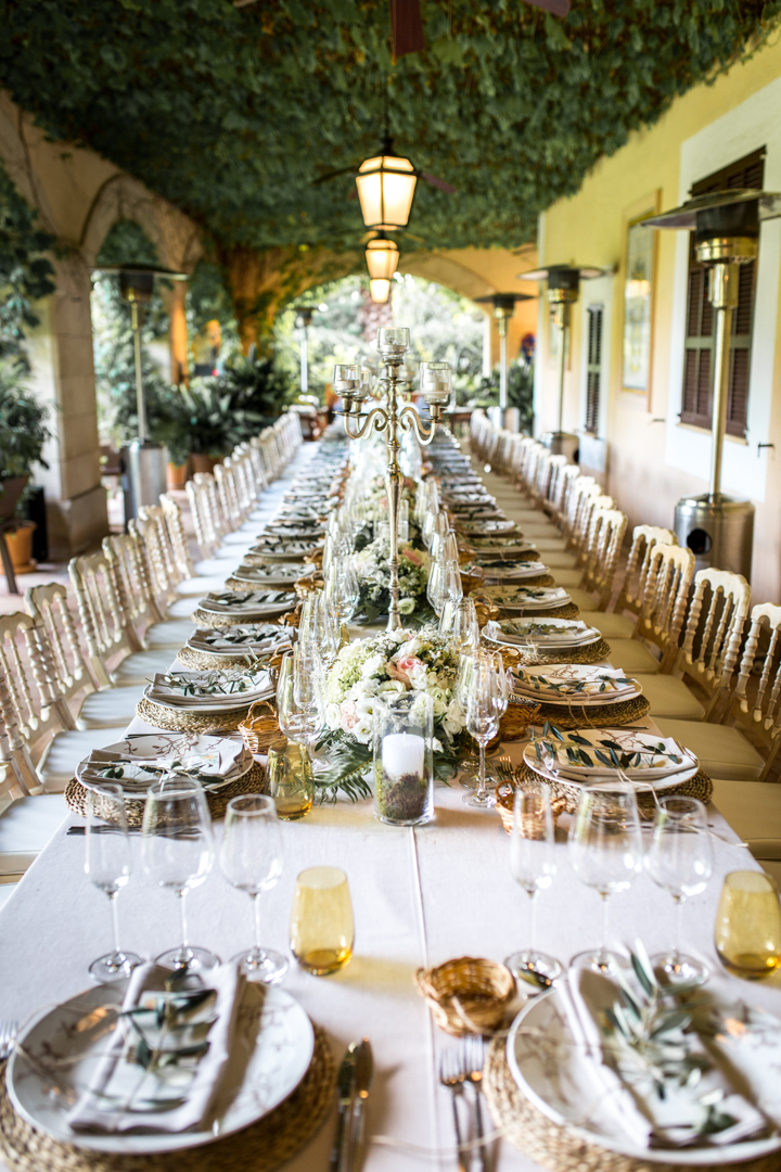 wedding photographer mallorca dominic lula wedding table setup