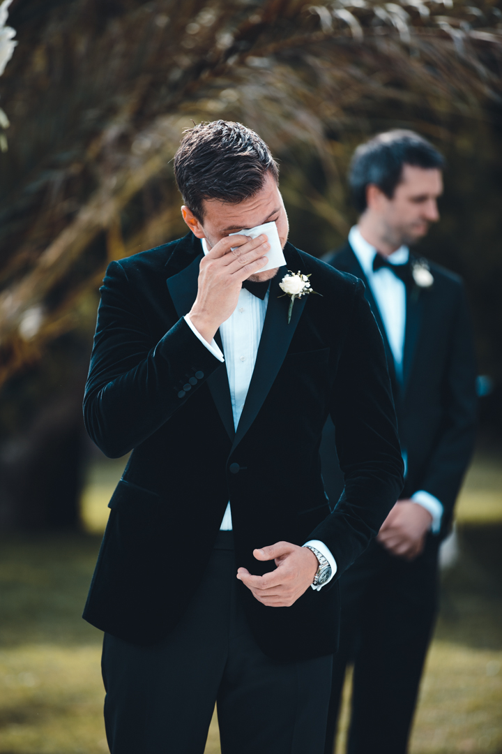wedding photographer mallorca dominic lula the groom wedding emotions