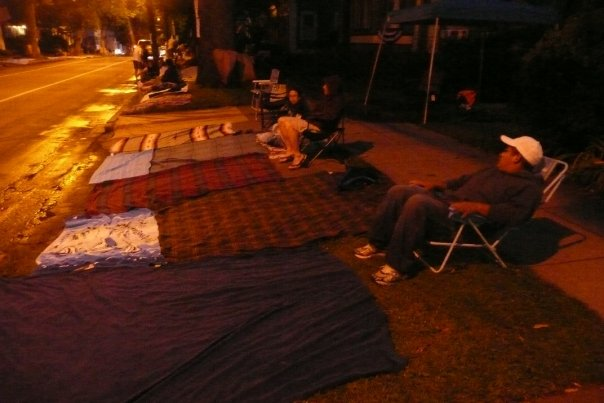 Summer 2009: Humz and our roommates guarding our Parade-Viewing-Area in front of our house at 5am