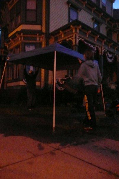 Parade-watching-pop-up-tent