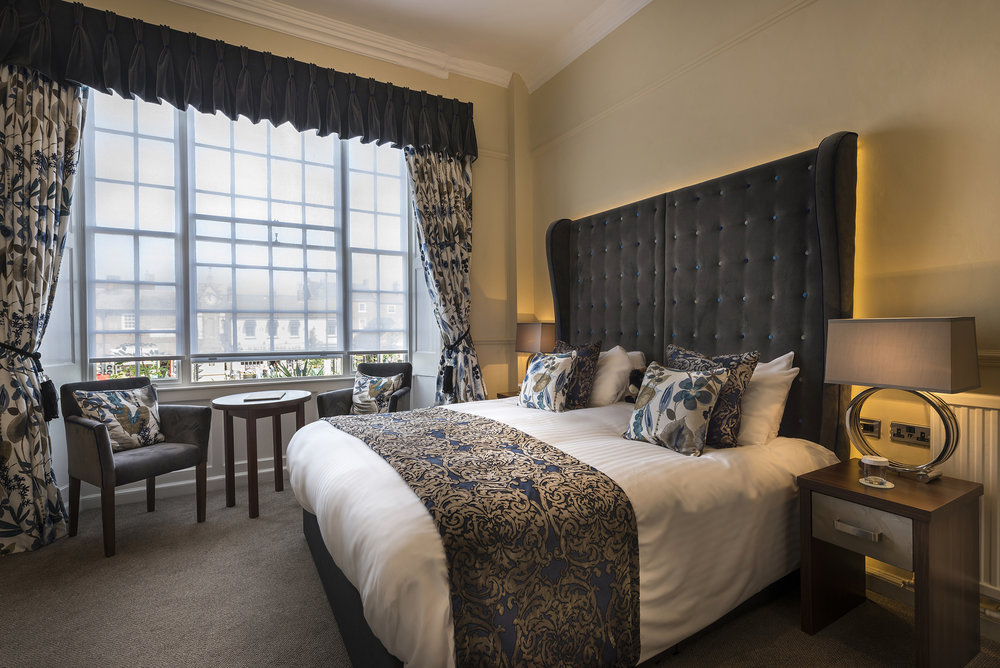 Deluxe double bedroom 2.jpg