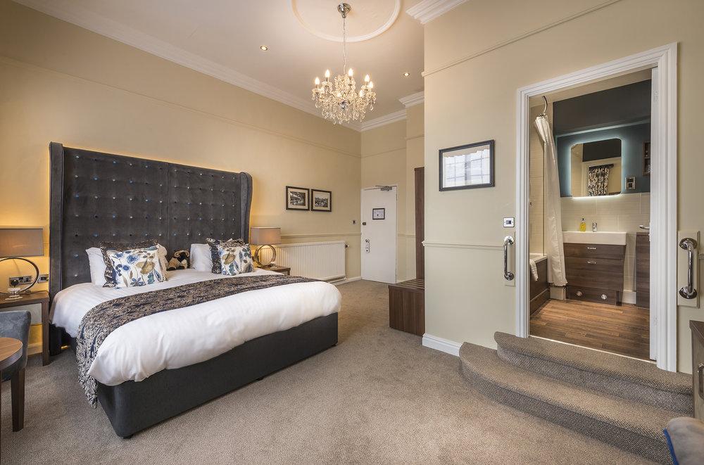 Deluxe double bedroom.jpg