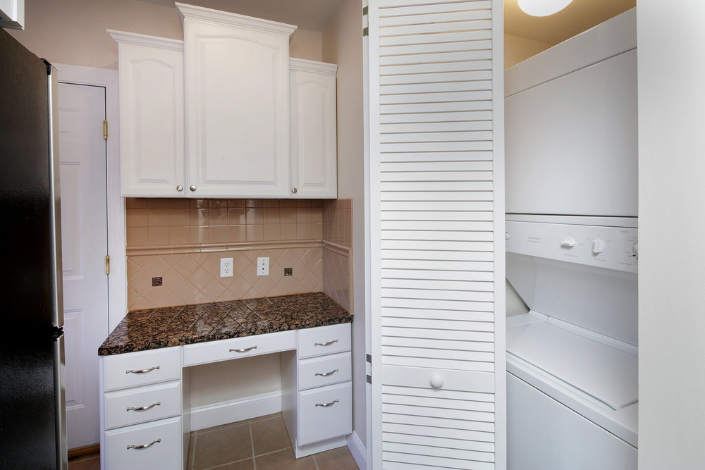 1 Bed Small Office & Laundry