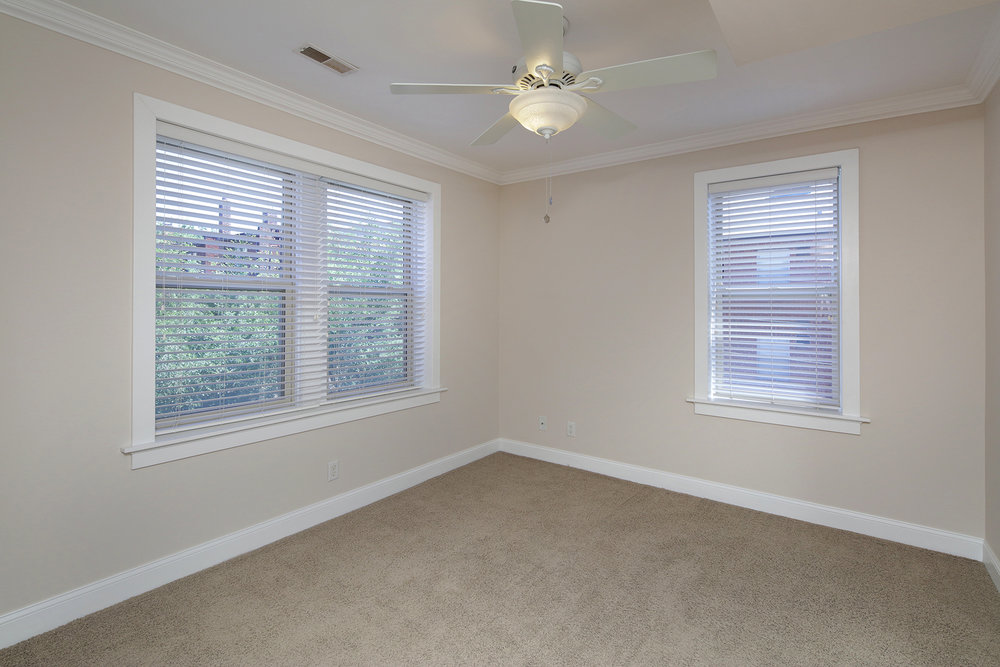 1 Bed Small Master